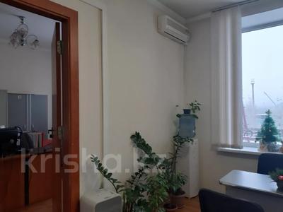 Здание, площадью 2213.6 м², Торайгырова 64 за ~ 276.1 млн 〒 в Павлодаре — фото 17