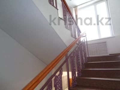 Здание, площадью 2213.6 м², Торайгырова 64 за ~ 276.1 млн 〒 в Павлодаре — фото 22
