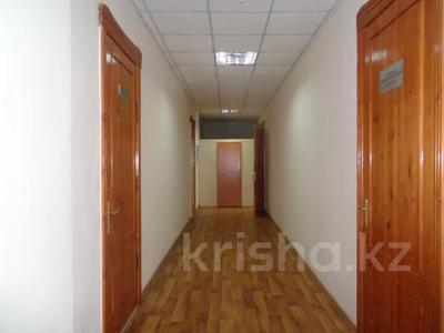 Здание, площадью 2213.6 м², Торайгырова 64 за ~ 276.1 млн 〒 в Павлодаре — фото 27
