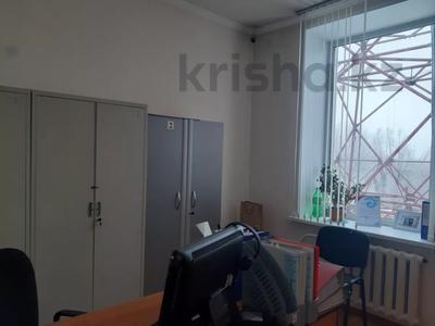 Здание, площадью 2213.6 м², Торайгырова 64 за ~ 276.1 млн 〒 в Павлодаре — фото 18