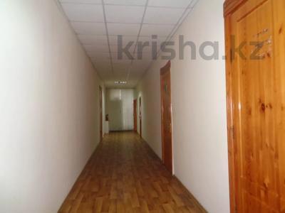 Здание, площадью 2213.6 м², Торайгырова 64 за ~ 276.1 млн 〒 в Павлодаре — фото 29