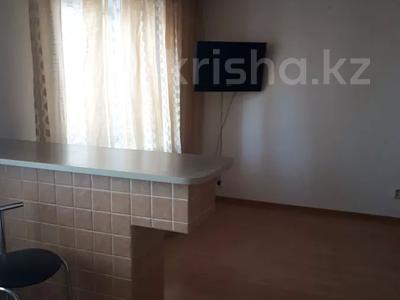 1-комнатная квартира, 38 м², 11 этаж посуточно, Казахстан 68 за 6 000 〒 в Усть-Каменогорске — фото 2