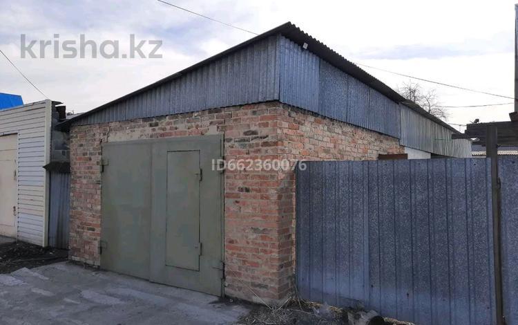3-комнатный дом, 100 м², 8 сот., Турксибская улица 59 за 8.5 млн 〒 в Усть-Каменогорске