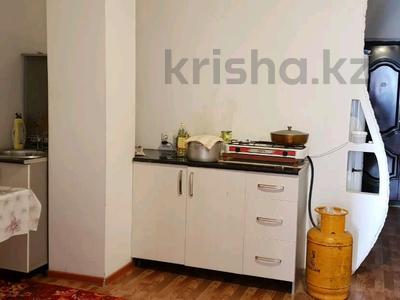1-комнатная квартира, 40 м², 4/4 этаж на длительный срок, Абая — Кабанбай батыра за 55 000 〒 в Талдыкоргане