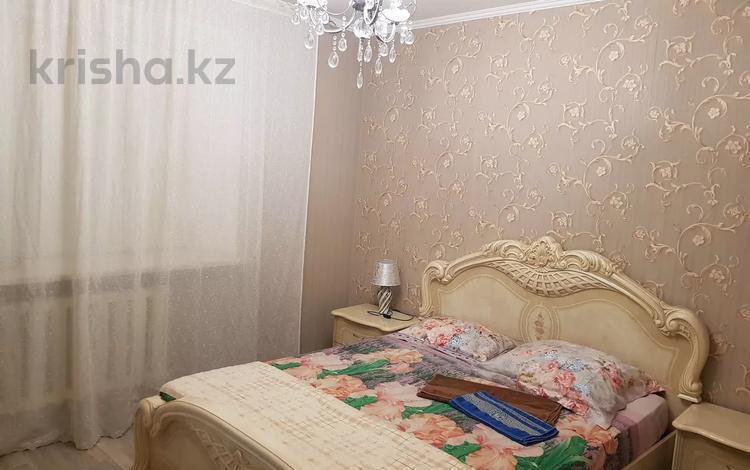 2-комнатная квартира, 54 м², 2/5 этаж посуточно, М.Маметовой 81/1 — Мухита за 13 000 〒 в Уральске