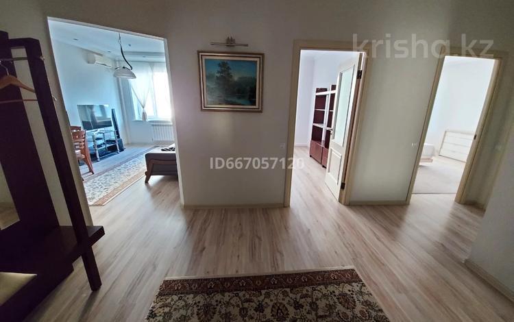 3-комнатная квартира, 75 м², 6/14 этаж помесячно, Кабанбай батыра 11 за 200 000 〒 в Нур-Султане (Астане), Есильский р-н