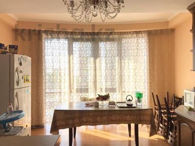 3-комнатная квартира, 126 м², 3/16 этаж помесячно, Аль-Фараби 53 — Маркова за 260 000 〒 в Алматы, Бостандыкский р-н — фото 7