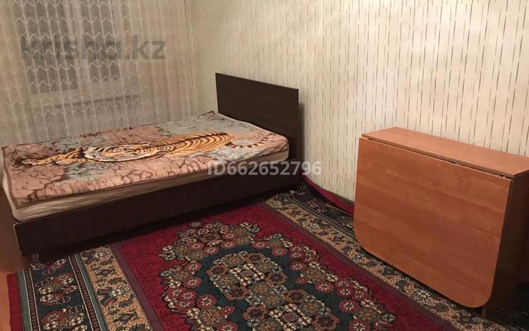 3 комнаты, 6 м², мкр №6, Мкр №6 17A — Абая-Саина за 25 000 〒 в Алматы, Ауэзовский р-н