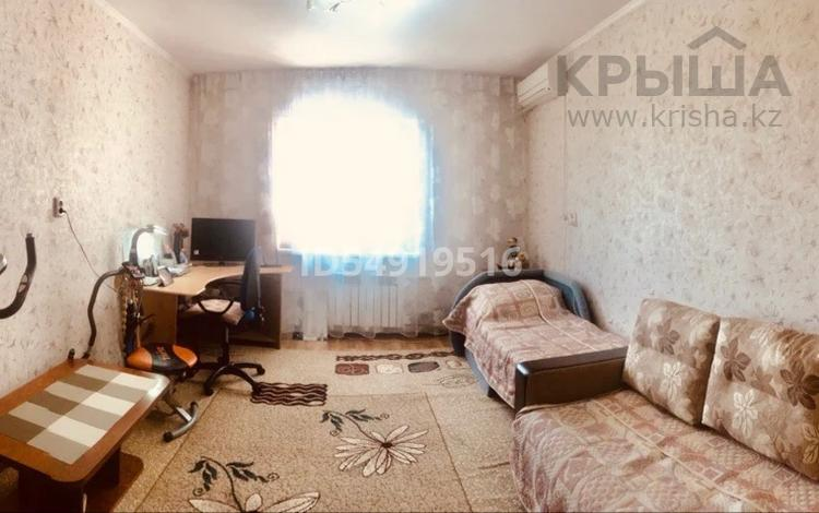 1-комнатная квартира, 42.8 м², 10/12 этаж, Абая 159а за ~ 7.9 млн 〒 в Таразе