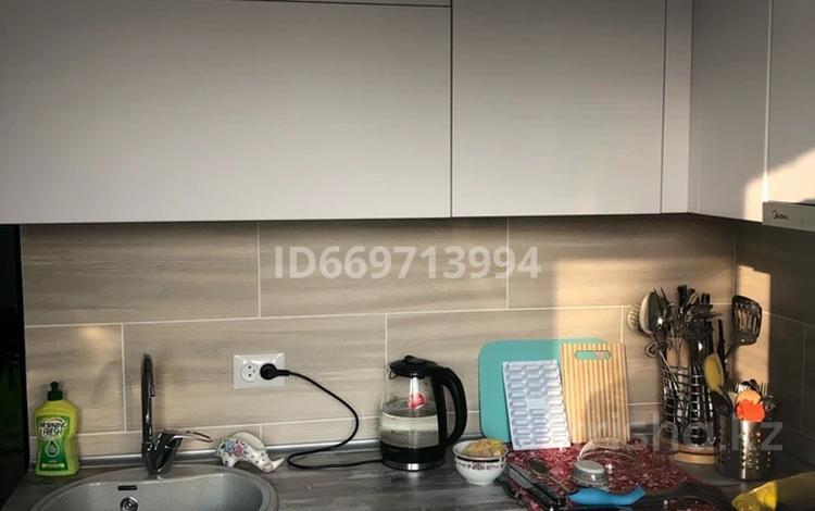 2-комнатная квартира, 46.5 м², 3/5 этаж, Микрорайон 3 8 за 9.5 млн 〒 в Лисаковске