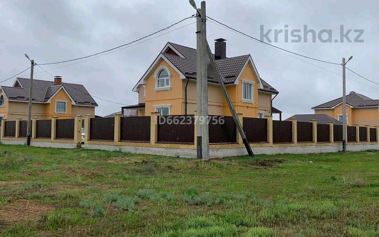 5-комнатный дом помесячно, 155 м², 10 сот., Нур сити за 150 000 〒 в Актобе, Нур Актобе