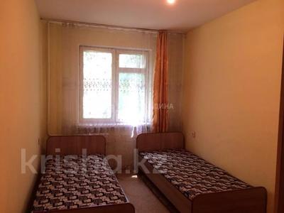 2-комнатная квартира, 46 м², 2/4 этаж, мкр №1, Мкр №1 за 14.3 млн 〒 в Алматы, Ауэзовский р-н