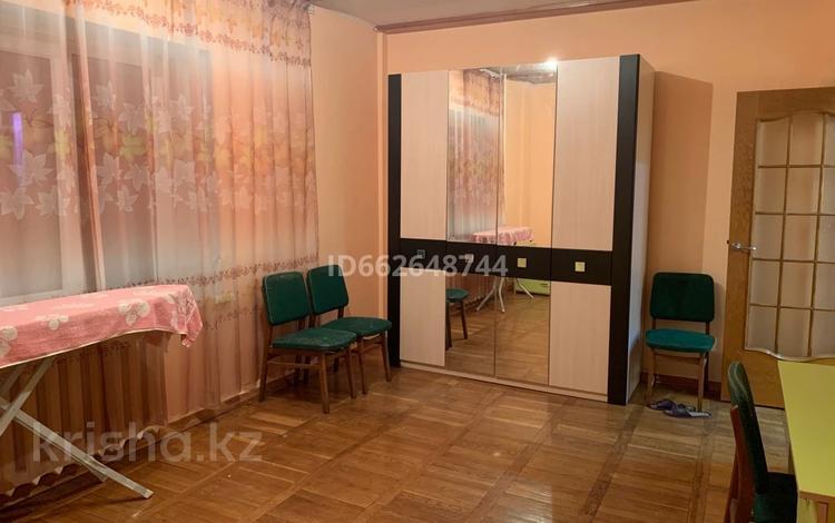 2-комнатная квартира, 50 м², 6/9 этаж помесячно, Муканова 227 за 130 000 〒 в Алматы, Алмалинский р-н