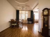 6-комнатный дом, 284 м², 4 сот.