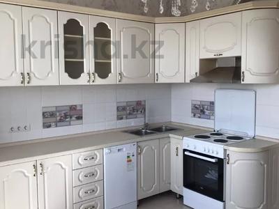 3-комнатная квартира, 90 м², 5/13 этаж помесячно, Кенесары 69 за 130 000 〒 в Нур-Султане (Астана), р-н Байконур — фото 2