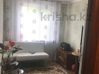 3-комнатная квартира, 59 м², 2/5 этаж, Жамбыла Жабаева за 18.7 млн 〒 в Петропавловске