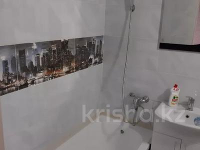 1-комнатная квартира, 28 м², 5/5 этаж помесячно, 9 мкр 4А за 55 000 〒 в Костанае — фото 3