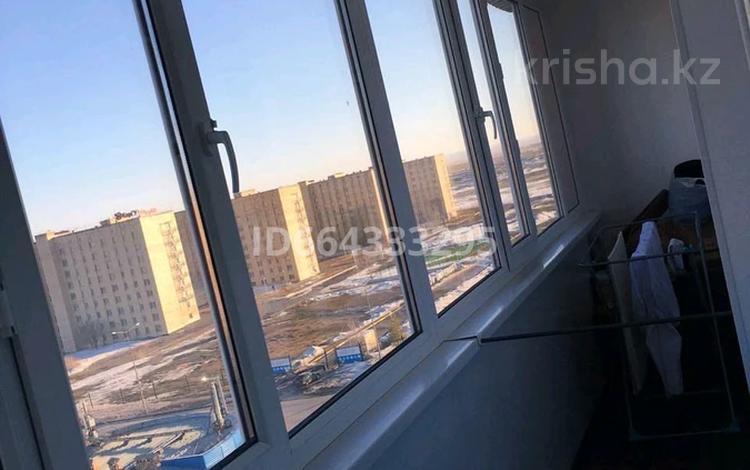 3-комнатная квартира, 69.8 м², 8/9 этаж, мкр Юго-Восток, 27й микрорайон 2 за 23 млн 〒 в Караганде, Казыбек би р-н