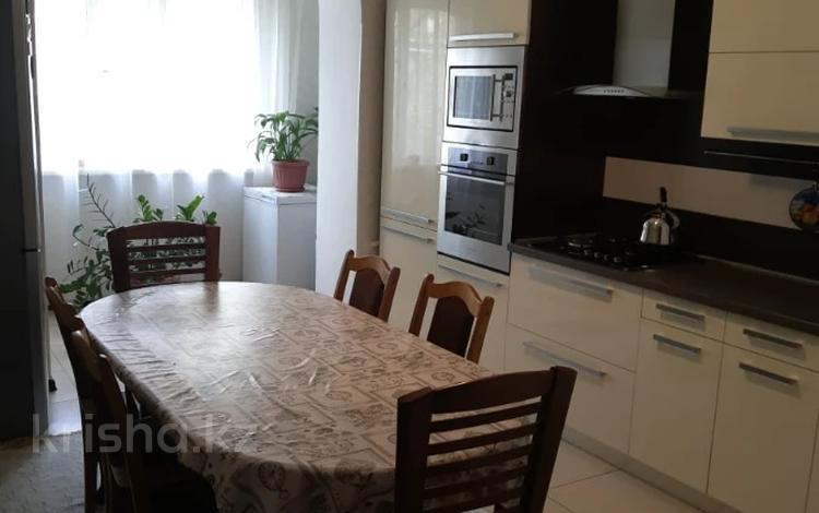 3-комнатная квартира, 90 м², 3/5 этаж, проспект Жибек Жолы 39 за 38.5 млн 〒 в Алматы, Медеуский р-н