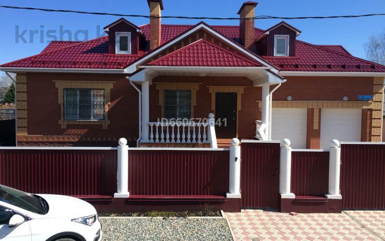 7-комнатный дом, 400 м², 12 сот., Луговая 5 за 98.4 млн 〒 в Омске