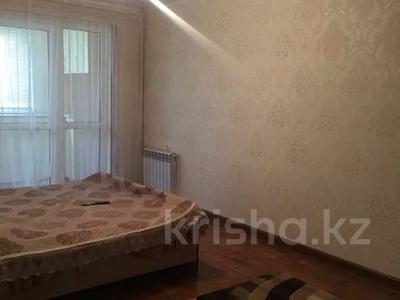 2-комнатная квартира, 50 м², 1/5 этаж посуточно, 16 мкр 43 за 6 000 〒 в Шымкенте, Енбекшинский р-н