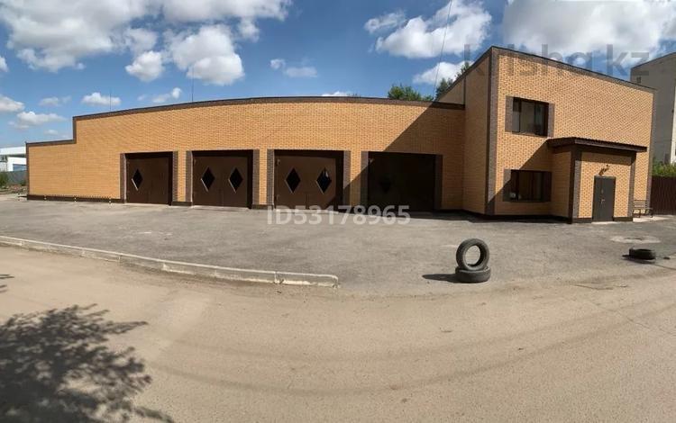 Здание, площадью 560 м², проспект Республики 31/5 за 250 млн 〒 в Караганде, Казыбек би р-н