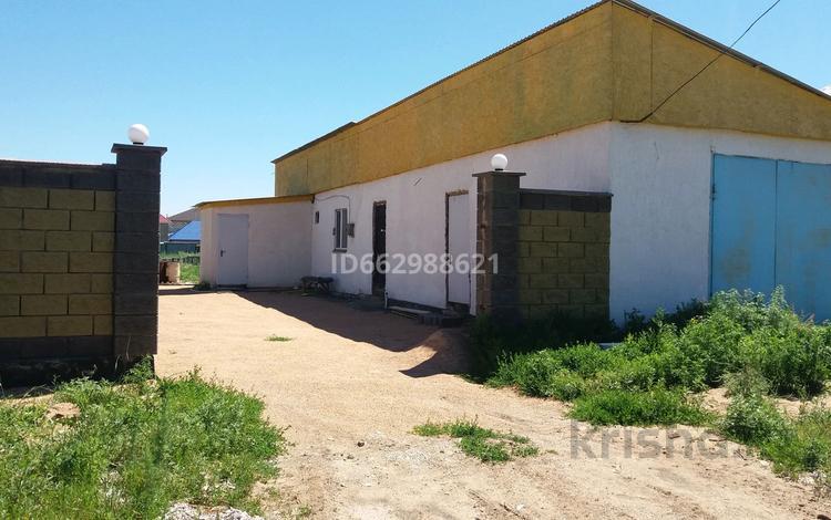 2-комнатный дом, 47 м², 10 сот., Аксуат за 11 млн 〒 в