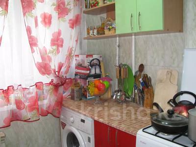 1-комнатная квартира, 35 м², 2/5 этаж посуточно, Чкалова 10 — Маяковского за 5 000 〒 в Костанае — фото 2