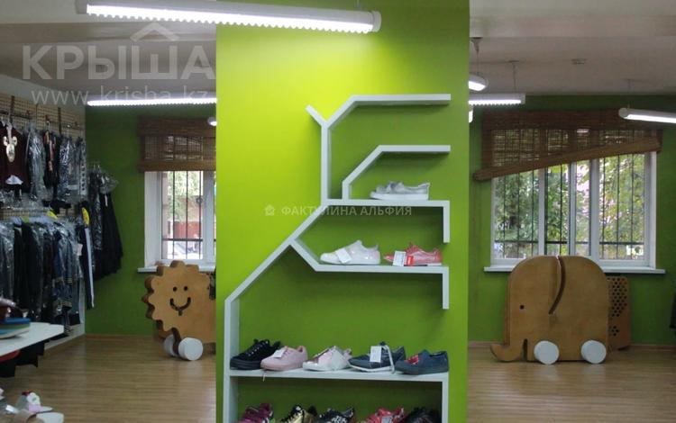 Магазин площадью 370 м², Желтоксан — Курмангазы за 1.9 млн 〒 в Алматы, Алмалинский р-н