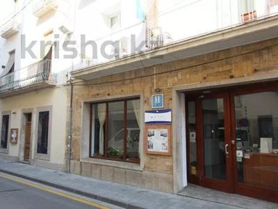 Здание, площадью 1100 м², Carrer Aviador Demazel 18 за 989 млн 〒 — фото 31