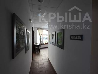 Здание, площадью 1100 м², Carrer Aviador Demazel 18 за 989 млн 〒 — фото 6