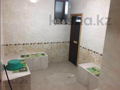 10-комнатный дом, 450 м², 8 сот., Ахмет Саркеева за 95 млн 〒 в Алматы — фото 17