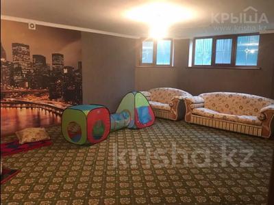 10-комнатный дом, 450 м², 8 сот., Ахмет Саркеева за 95 млн 〒 в Алматы — фото 18