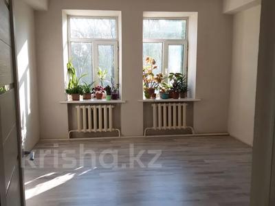 3-комнатная квартира, 100 м², 1/2 этаж, Темиржолшилар 89 за 12.5 млн 〒 в Усть-Каменогорске — фото 8