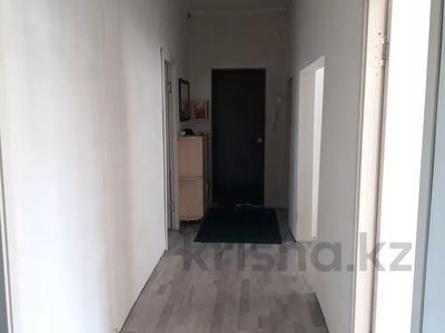 3-комнатная квартира, 100 м², 1/2 этаж, Темиржолшилар 89 за 12.5 млн 〒 в Усть-Каменогорске — фото 9