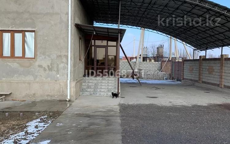 6-комнатный дом, 180 м², 12 сот., Сыздыкова 46 за 48 млн 〒 в Таразе