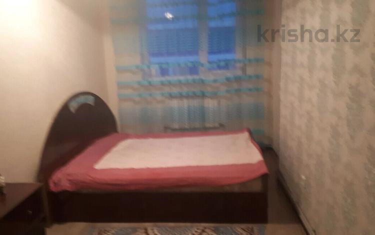 1-комнатная квартира, 31 м², 2/5 этаж по часам, 16-й микрорайон, 16-й микрорайон 38 — Шайахметова за 1 500 〒 в Шымкенте, Енбекшинский р-н
