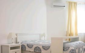 2-комнатная квартира, 80 м², 13/14 этаж посуточно, мкр Самал-1, Достык 128 за 15 000 〒 в Алматы, Медеуский р-н
