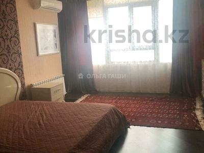 3-комнатная квартира, 120 м², 11/14 этаж помесячно, Азербайжана Мамбетова 16 за 320 000 〒 в Нур-Султане (Астана), Сарыарка р-н — фото 4