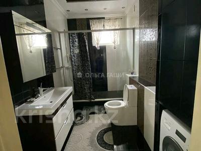 3-комнатная квартира, 120 м², 11/14 этаж помесячно, Азербайжана Мамбетова 16 за 320 000 〒 в Нур-Султане (Астана), Сарыарка р-н — фото 5