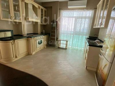 3-комнатная квартира, 120 м², 11/14 этаж помесячно, Азербайжана Мамбетова 16 за 320 000 〒 в Нур-Султане (Астана), Сарыарка р-н — фото 6