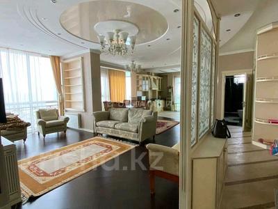 3-комнатная квартира, 120 м², 11/14 этаж помесячно, Азербайжана Мамбетова 16 за 320 000 〒 в Нур-Султане (Астана), Сарыарка р-н — фото 8