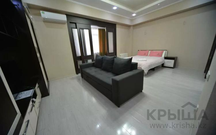 1-комнатная квартира, 50 м², 8/10 этаж посуточно, Юнусалиева 173 за 10 000 〒 в Бишкеке