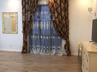 3-комнатная квартира, 200 м², 13/13 этаж посуточно, Розабакиева 247 за 25 000 〒 в Алматы, Бостандыкский р-н — фото 3