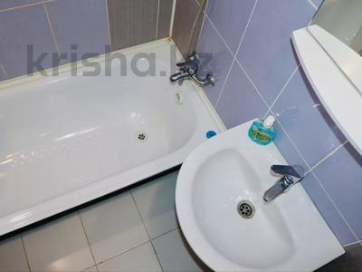 2-комнатная квартира, 52 м², 3/9 этаж посуточно, Абая 81 — Астана за 7 500 〒 в Петропавловске — фото 5