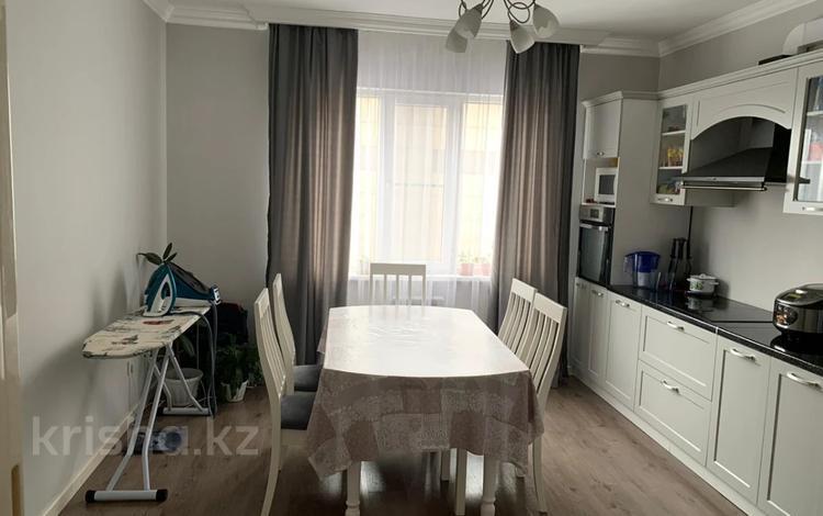 2-комнатная квартира, 74.3 м², 4/9 этаж, мкр Аксай-3Б, Мкр Аксай-3Б за 27 млн 〒 в Алматы, Ауэзовский р-н