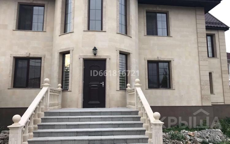 8-комнатный дом, 450 м², 10 сот., Айша биби 50 за 120 млн 〒 в Алматы, Турксибский р-н