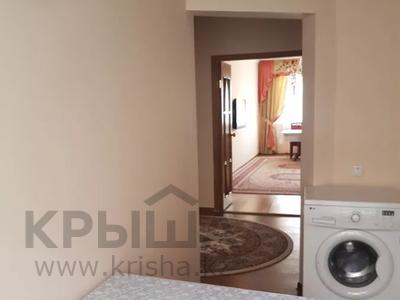 3-комнатная квартира, 66 м², 2/9 этаж помесячно, 2 мкр 11 б за 150 000 〒 в Атырау — фото 2