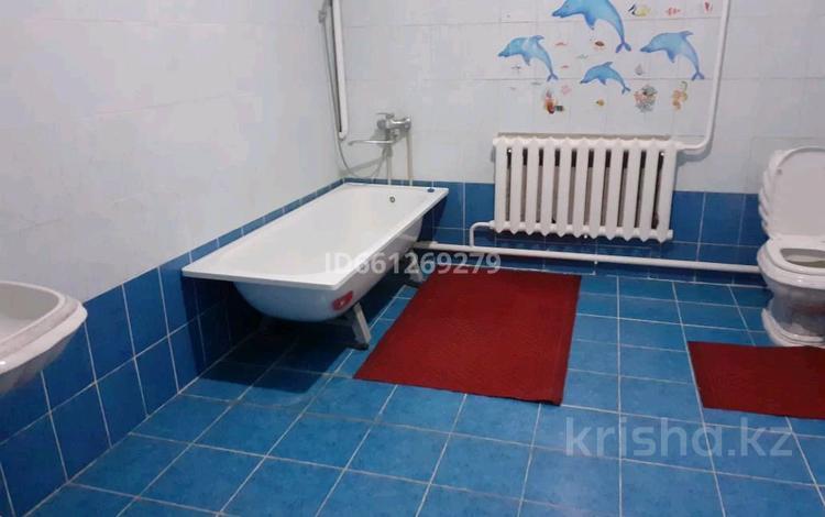 7-комнатный дом помесячно, 300 м², 10 сот., Асанбай район 1 за 250 000 〒 в Туркестане