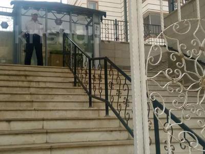 4-комнатная квартира, 143 м², 7/10 этаж, Еримбетова 1А — Рыскулова за 60 млн 〒 в Шымкенте, Енбекшинский р-н — фото 24